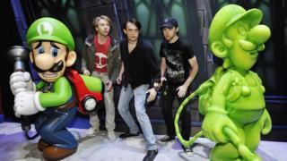 luigi-and-new-companion-gooigi-luigi-mansion-game-nintendo