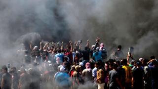 Gazze Şeridi'nde binlerce kişi sokaklara döküldü.