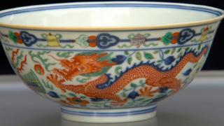 2013年9月《鉴宝路秀》播出的节目中发现一个清代瓷碗