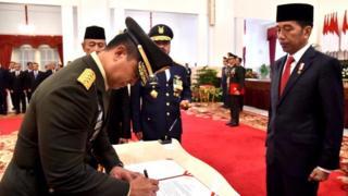presiden jokowi dan KSAD Andika