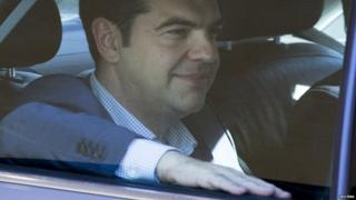 Greek debt crisis: Tsipras in intensive talks with creditors