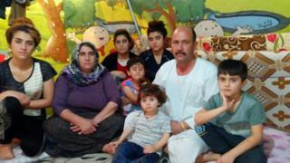 Azam Xıdır ve ailesi