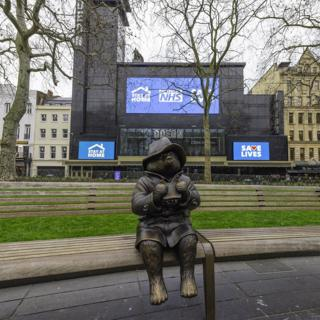 in_pictures Paddington Bear statue