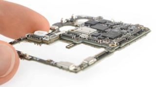 The Huawei P30 Pro motherboard, which uses tech sourced internationally (Picture provided by iFixIt.com)
