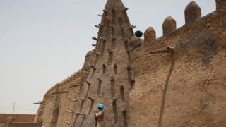 Masaajidka Djingareyber ee Timbuktu ee qudbiyadii ku yaallay ay dumiyeen Islaamiyiintu