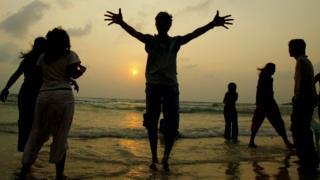 คนเที่ยวทะเล