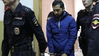 Акрам Азимов сотто өзүнүн бул терактка катыштыгы жок экенин айтып, айыптоолорду четке каккан.