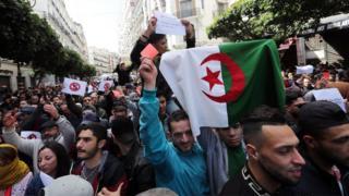 مظاهرة في العاصمة الجزائرية ضد ترشح بوتفليقه