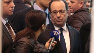 Francois Hollande gazeteci ile
