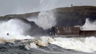 Волны в Северной Ирландии