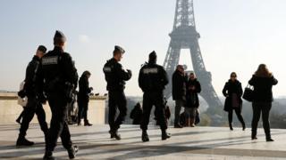 Police outside Eiffel Tower