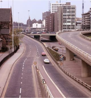M8 North Street towards Charing Cross (1973)