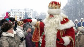 Russia's Grandfather Frost meets people