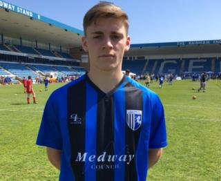 Medway Council sponsored Gills shirt