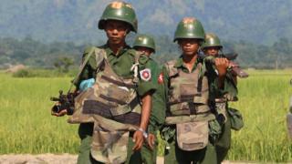 ရခိုင်ပြည်မြောက်ပိုင်းမှာ တာဝန်ထမ်းဆောင်နေတဲ့ တပ်မတော်တပ်ဖွဲ့ဝင်များ
