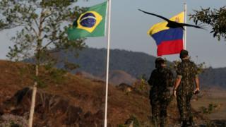 Militares brasileiros na fronteira