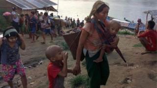 မြန်မာစစ်တပ်က ဂရုမစိုက်ဘူး၊ အောက်ခြေမှာလေ၊ လူ့အခွင့်အရေးကော်မရှင်က မြန်မာပြည်ကို ဘာပဲပြောပြော သူတို့လုပ်ချင်တာလုပ်နေတာပဲလေ၊ အဲဒီတော့ နိုင်ငံတကာက ဘယ်လောက်ဖိအားပေးပေး လူ့အခွင့်အရေးချိုးဖောက်မှုတွေက အခုလည်း အကြီးအကျယ် ဖြစ်နေတာပဲ