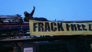 Rig protest at Pease Pottage services