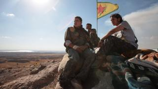 YPG fighters near Kobane (file photo)