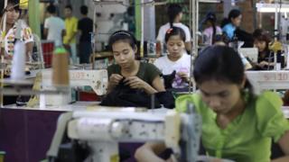 အီးယူရဲ့ စီးပွားရေးအထူးအခွင့်အရေးကြောင့် အထည်ချုပ်လုပ်ငန်းမှာ အလုပ်သမားသိန်းနဲ့ချီ အလုပ်ပေးထားနိုင်