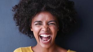 Лишь небольшое количество папуасов признало улыбку на лице проявлением радости