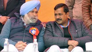 Delhi Chief Minister Arvind Kejriwal sharing some words with HS Phoolka