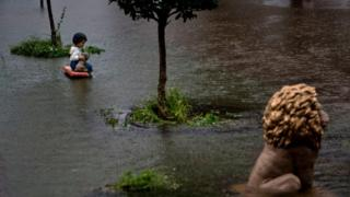 Значительная часть Хьюстона оказалась под водой