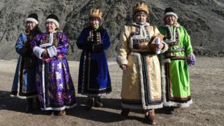 Женщины в алтайской одежде