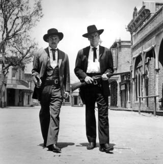 in_pictures Kirk Douglas and Burt Lancaster on Gunfight at the O.K. Corral in 1957