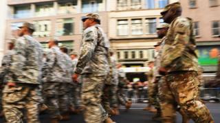 Desfile do Dia dos Veteranos em 2016 nos EUA