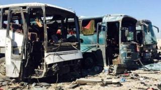 اتوبوسهای آسیب دیده در اثر انفجار در سامرا