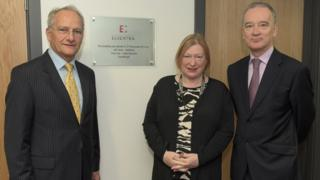 Edwina Hart welcomes Essentra chairman Jeff Harris and CEO Colin Day to Newport in November 2014