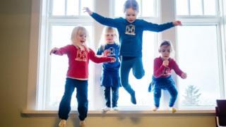 Niñas colegio metodo Hjalli