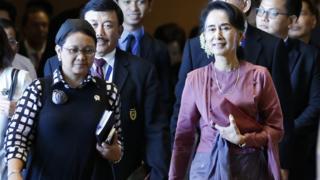 Retno Marsudi dan Aung San Suu Kyi