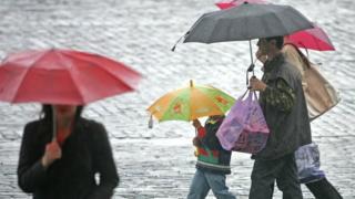Дожди и грозы ожидаются преимущественно в центральных и западных областях