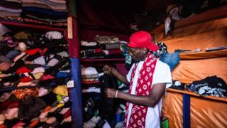 Duka la nguo za mitumba mjini Kigali