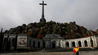 Franco exhumation: Spain's Supreme Court backs move to cemetery