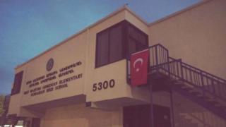 Los Angeles'ta Türk bayrağı açılan Ermeni okullarından biri