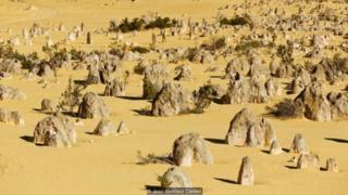 Úc được biết đến với các thành tạo đá đặc biệt, bao gồm cả những thứ được thấy ở Sa Mạc Tháp Đá