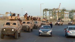 Pro-government Southern militiamen in Aden (28 August 2015)