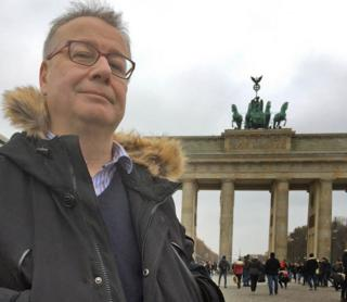 Adrian Goldberg at the Brandenburg Gate