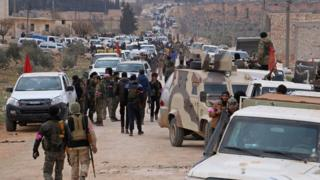 Бойцы сирийской оппозиции у города Эль-Баб