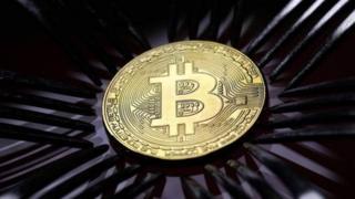 Bitcoin ka iya lahani ga kasashe, in ji malamin