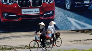Tại Việt Nam, thu nhập trong một năm của 210 người siêu giàu dư sức để đưa 3.2 triệu người thoát nghèo, chấm dứt nghèo cùng cực