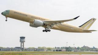 Singapore Airlines A350-900 ULR taking off