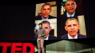 Supasorn Suwajanakorn en una conferencia TED