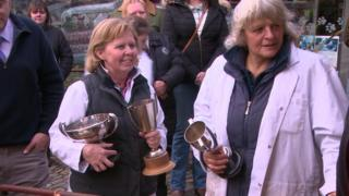 Women and prizes at the farming show