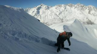 Snowboarding ဘယ်လို စခဲ့သလဲ