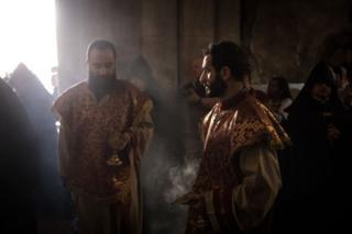 Пасхальна процессия Армянской церкви в храме Гроба Господня в Иерусалиме