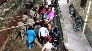 नेपाली महिलाहरूको उद्धार गरिँदै